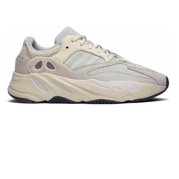 d78df3572 YEEZY BOOST 700 ANALOG SIZE 4 MENS. NWT. adidas